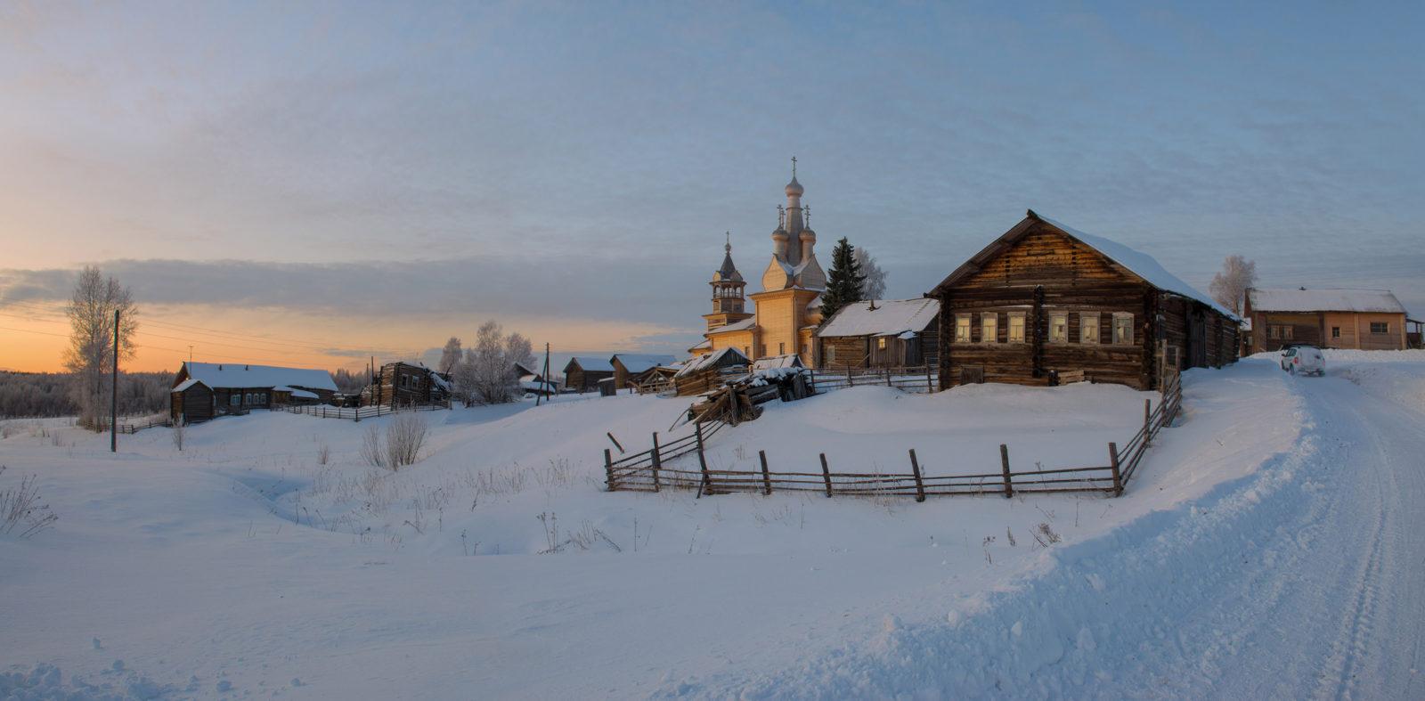 Картинки по запросу картинки избы в деревне зимой
